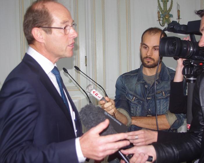 Allan Sichel répondant à la presse (ph Paysud)