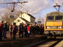 Rassemblement en gare de Gourdon (ph site bataildurail)