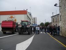 Les manifestants à la Laiterie des Chaumes