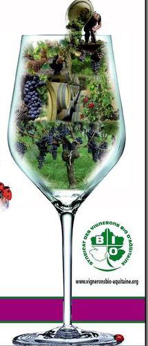 Un marché des vins bios à Bordeaux