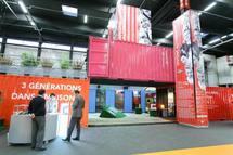 """L'expo """"Vivons autrement"""" remporte le prix Expocrea 2009 avec ses containers habitables"""
