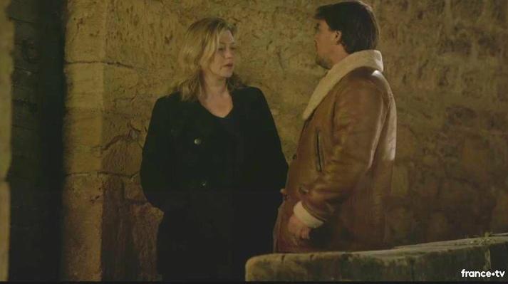 Cécile Bois et Thierry Godard dans le  Sarlat médiéval (Capture d'écran)
