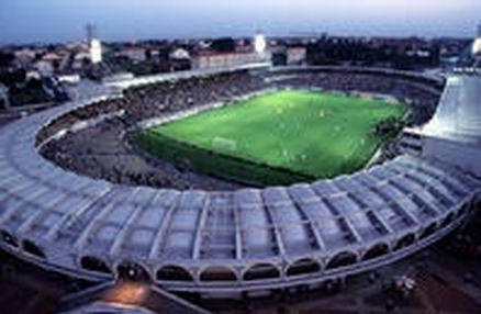Des fissures au stade Jacques Chaban-Delmas
