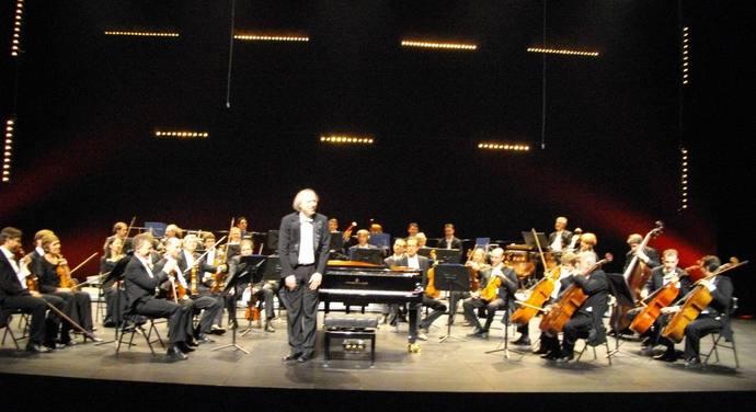 Giovanni Bellucci et l'Orchestre de Padoue et de la Vénétie à Châteauroux (ph Paysud)