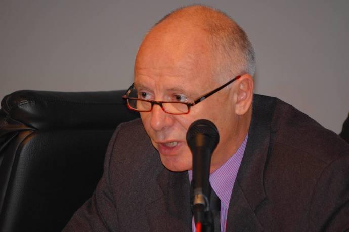 Le Professeur Luc Grislain