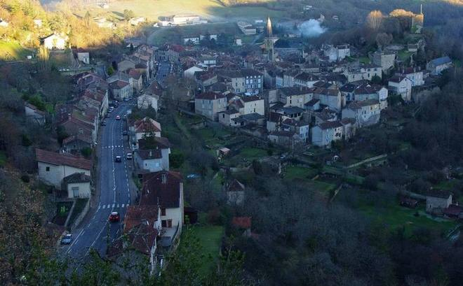 "Caylus (Tarn-et-Garonne) ""village irréductible"" (Ph Paysud)"