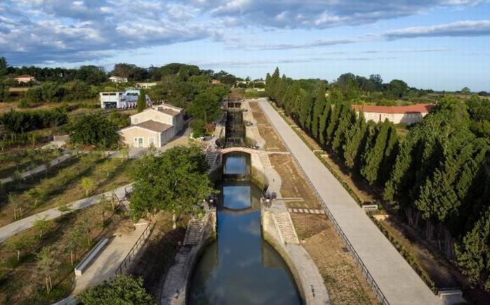 Le canal à Fonseranes (Hérault)-ph Nicolas Castets-