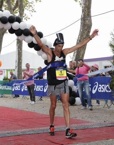Thierry Guilbaut à l'arrivée (ph Marathon Médoc)