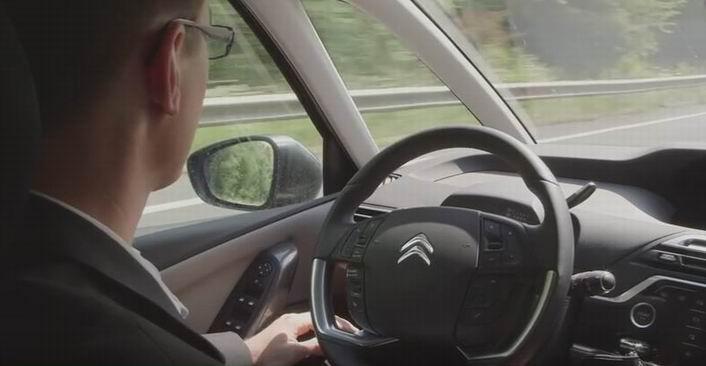 La voiture autonome de PSA (copie d'écran vidéo You Tube)