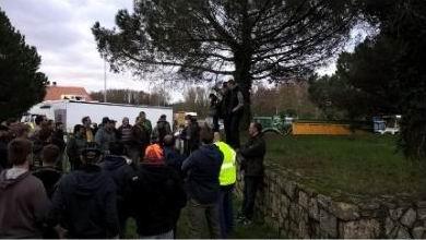 Les agriculteurs à Pineuil (ph FDSEA)