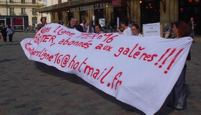 Manifesation d'usagers de TER en mai 2015