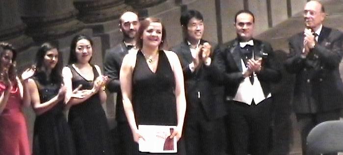 Valentine Martinez sacrée trois fois au premier concours de chant Robert  Massard (Bordeaux)