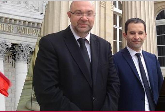 Stéphane Travert en compagnie de Benoît Hamon sur son site de député de la Manche. C'était avant! (ph capture d'écran)