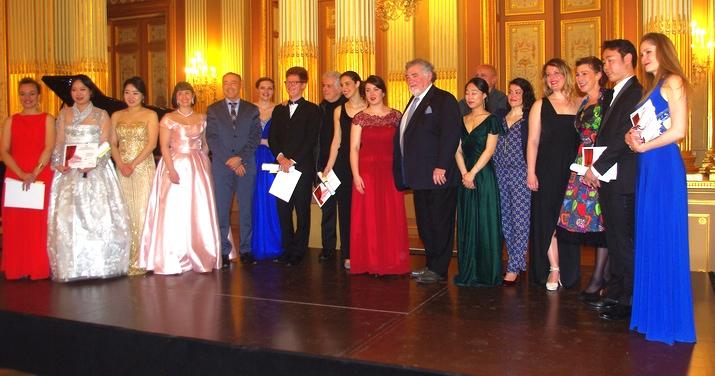 Les candidats et des membres du jury. On reconnait Jean-Philippe Lafont (ph Paysud)