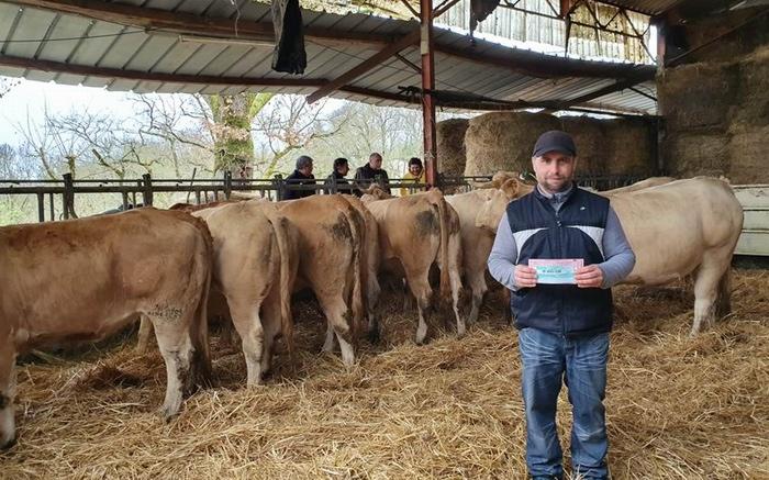 Un  cadeau d'une valeur de 20 000€ pour un éleveur de Castella (ph Campagne 47)