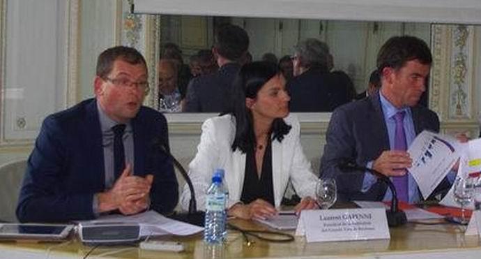 Joël Forgeau (à gauche)lors d'une venue à Bordeaux,au CIVB (Ph Paysud)
