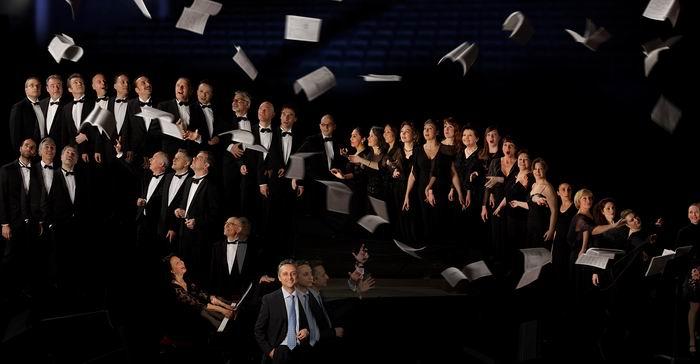 Le Choeur de l'Opéra de Bordeaux (Ph Roberto Giostra)