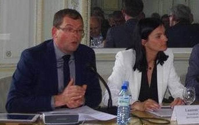 Joël Forgeau et Audrey Bourrolleau (Vin et Société) lors d'une réunion du CIVB (Ph Paysud)