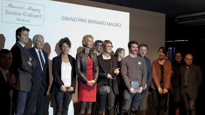 Artistes sur le podium en compagnie de B. Magrez (Ph Stéphane Abboud)