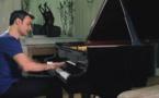 Ivan Ilić interprète une symphonie de Haydn au piano