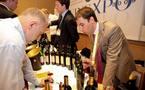Vinexpo 20011 à Bordeaux: vignerons qui rient et vignerons qui pleurent