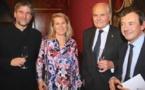 Bernard Magrez remet 395 000€  à la Fondation Bergonié