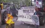 Agriculteurs à Paris: le gouvernement et Xavier Beulin peinent à convaincre